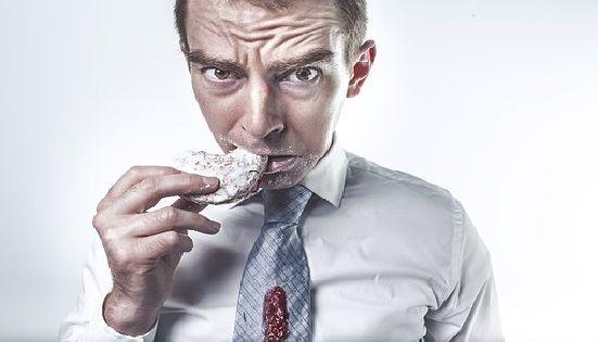 La alimentación consciente nos ayuda a controlar la ansiedad por la comida.